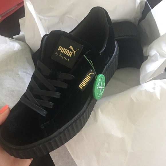 super popular 9fb95 793bb Creeper velvet Fenty puma black size 7W NWT